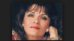 Former New Seekers star set for the Harlow Playhouse
