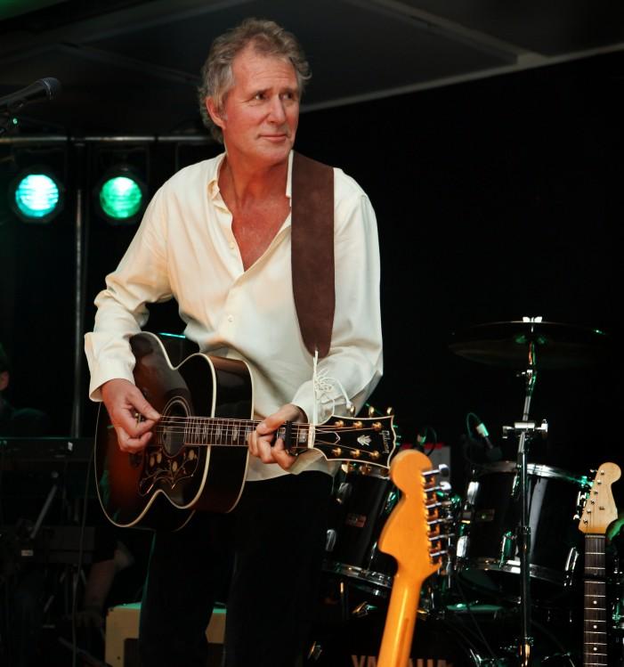 Former Dire Straits John Illsey set to play the Harlow Playhouse