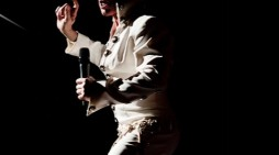 Review: Lee Memphis King at the Harlow Playhouse
