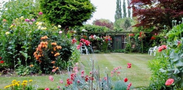 More than thirty venues to be open for St Clare Hospice Open Gardens weekend