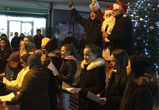 Passmores Pop Choir light up Bush Fair
