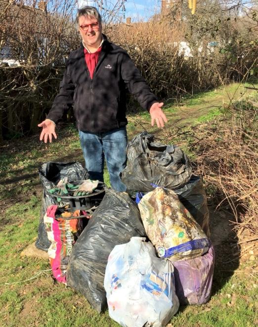 Bush Fair's Labour councillors clean up Nicholls Field