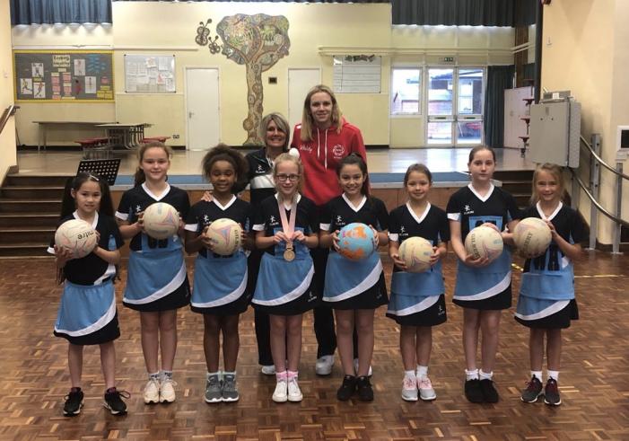Harlow's golden girl Jo Harten visits Jerounds Primary