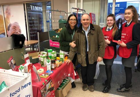 Harlow MP Robert Halfon defends Foodbank photo-call