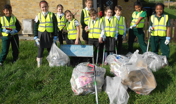 Holy Cross Primary students take part in Big Spring Clean