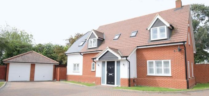 Property: Howick and Brooker: Tye Green Village