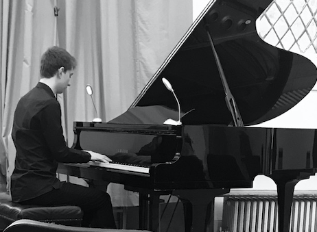 Harlow schoolboy pianist earns place at prestigious music college