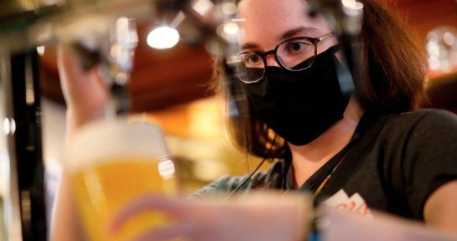 Covid: Pub industry warns it faces 'darkest of moments'