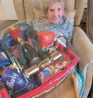Ashlyn Care Home receive an amazing raffle donation