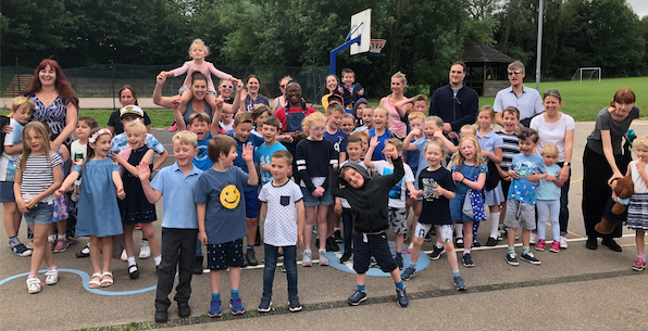 Roydon Primary: Staff, students and parents love their Daily Mile!