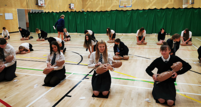 Over 800 Passmores students take part in life-saving event