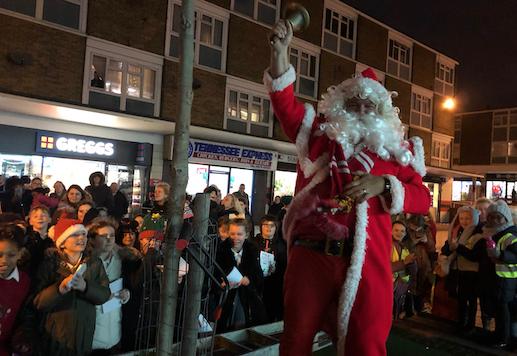 Santa turns on Bush Fair Christmas lights