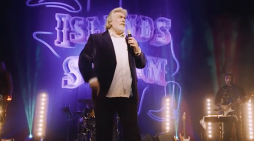 The Gambler – A tribute to Kenny Rogers comes to the Harlow Playhouse
