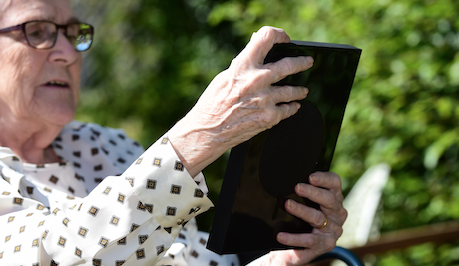 Housebuilder gives Ashlyns Care Home residents more ways to connect with tablet donation